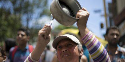 Venezolanos se organizan para compartir un plato de sopa