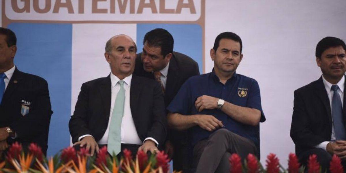 Mario Taracena critica que presidente Jimmy Morales no brinde declaraciones