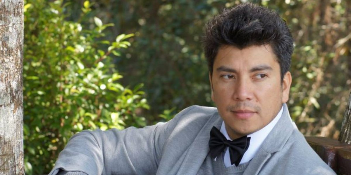 """VIDEO. El guatemalteco Danilo Santos le canta al amor con """"Si no estás conmigo"""""""
