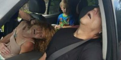 ¿Qué pasó con el niño que viajaba con adultos con sobredosis?