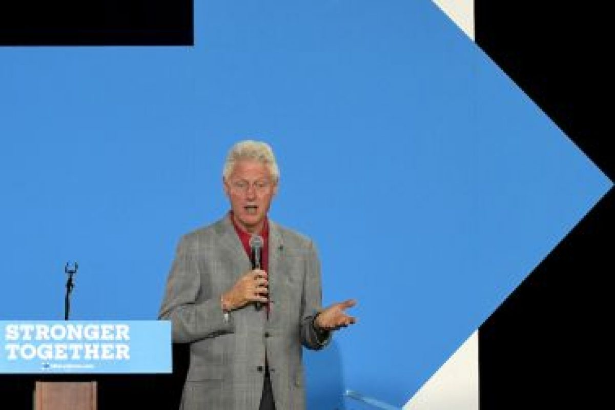 Y su esposo, el expresidente Bill Clinton Foto:Getty Images