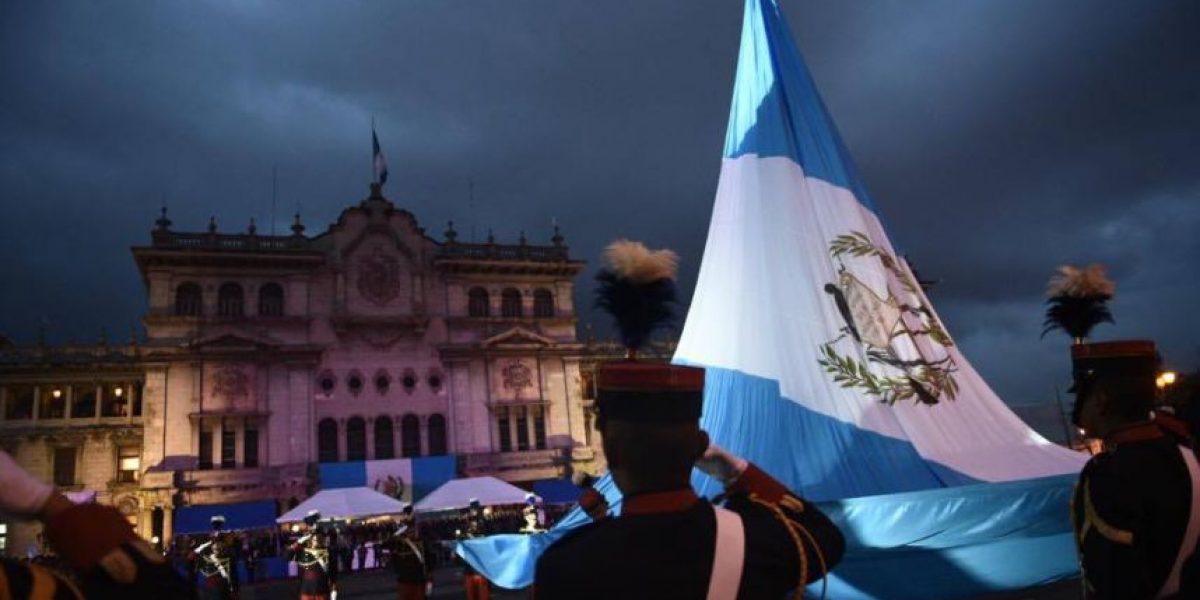 La víspera del 195 aniversario de Independencia se vivió con fervor y actos protocolarios