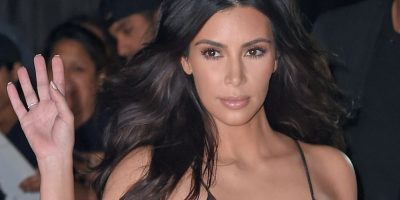 Kim Kardashian escandaliza las redes vestida como una virgen