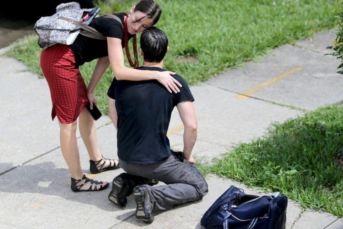AP Foto:Arriesgó su vida por una laptop