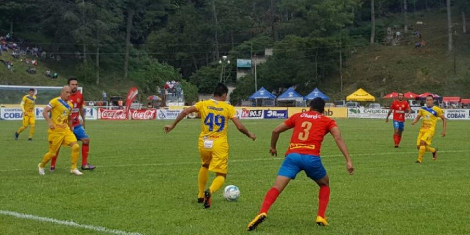 Cobán consiguió en la segunda parte el gol con el que evitó la derrota en casa. Foto:@EUDeportes