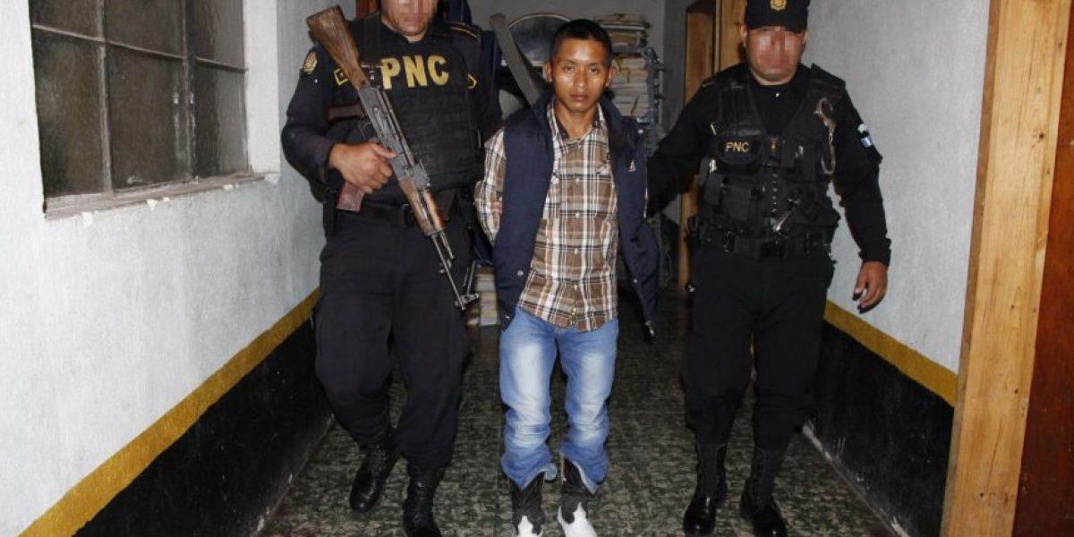 Los capturan por llevar una granada de fragmentación en Jalapa