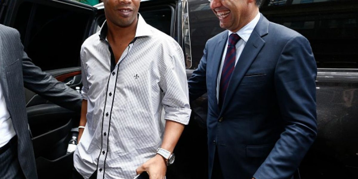 La vida llena de fiestas que vivió Ronaldinho en Francia