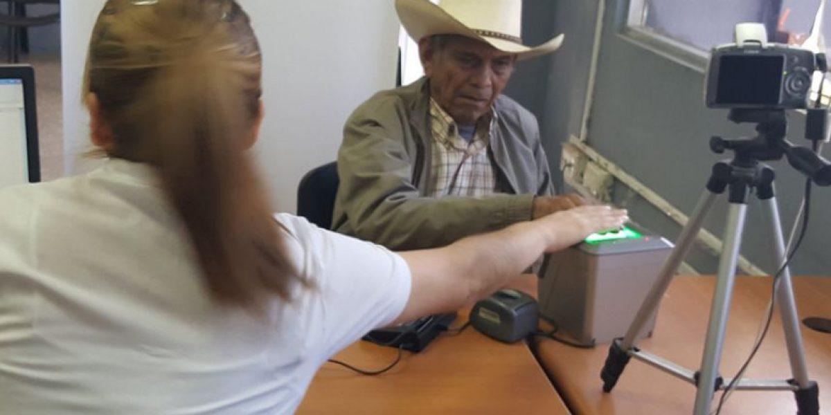Tribunal de Amparo ordena a empresa prestar servicio para emitir DPI y pasaportes