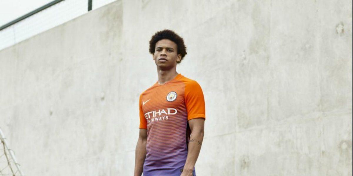 Manchester City lanzó innovadora camiseta para Champions League