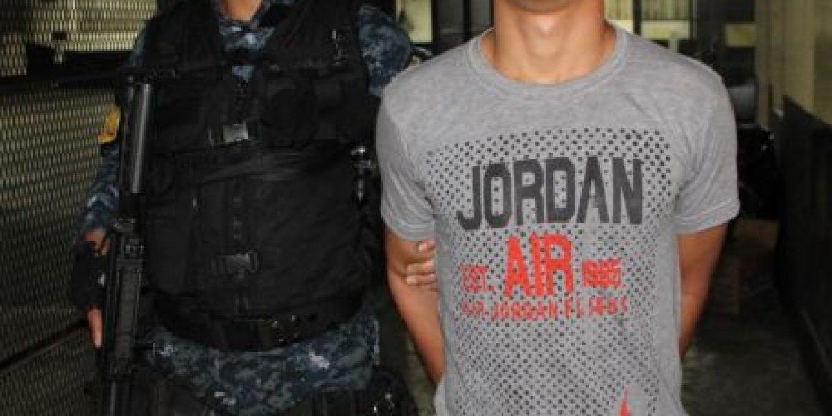 Capturan a pandillero por intimidar a piloto de bus con granada de humo
