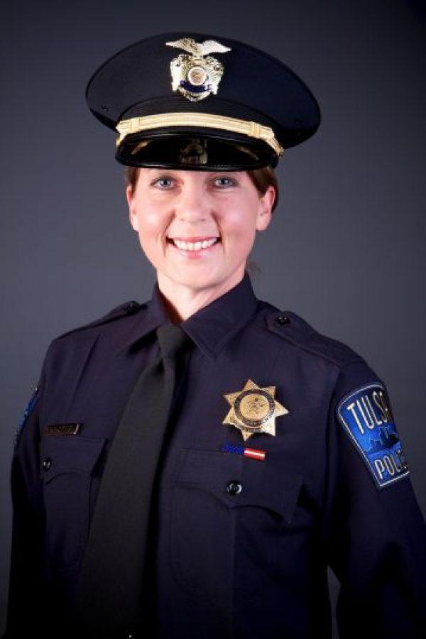 AP Foto:Ella es la policía Betty Shelby, quien se asegura que disparó al hombre.