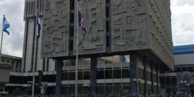 Junta Monetaria opina a favor de la colocación de bonos en 2017