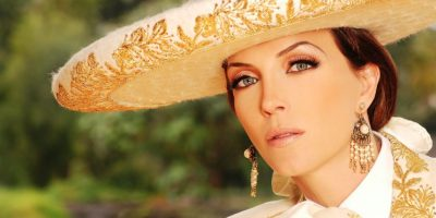 """Laura Flores: """"Soy una mujer que le da la cara a la vida"""""""