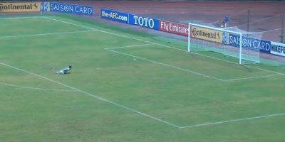 Parece arreglado: El gol más ridículo del año