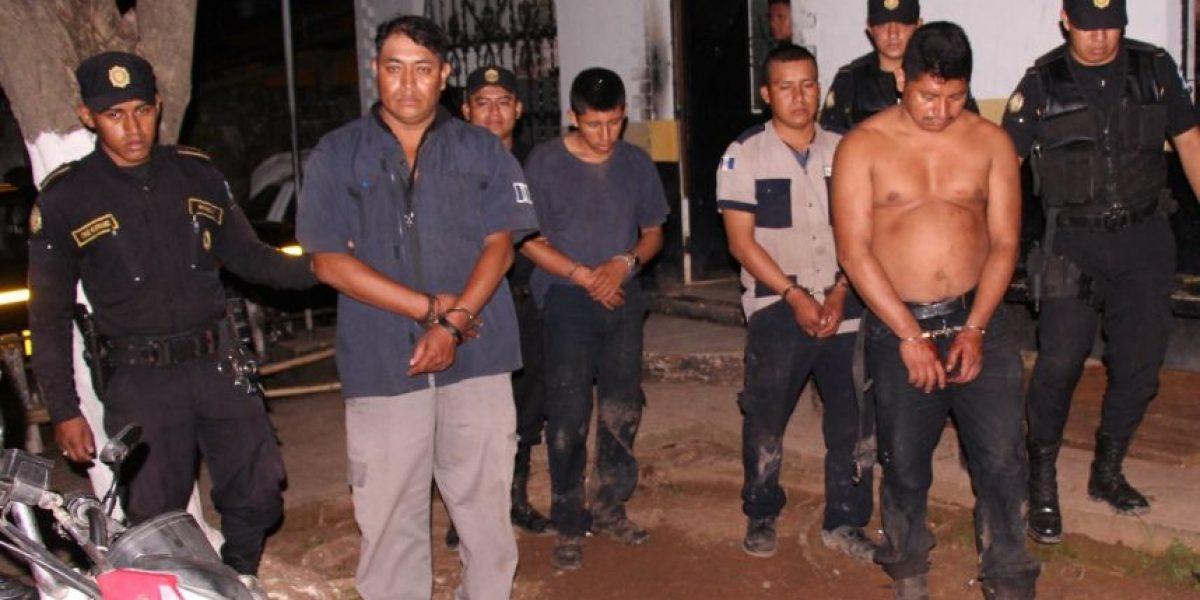 Bebieron licor, discutieron, habrían asesinado a un compañero y fueron capturados, según la PNC