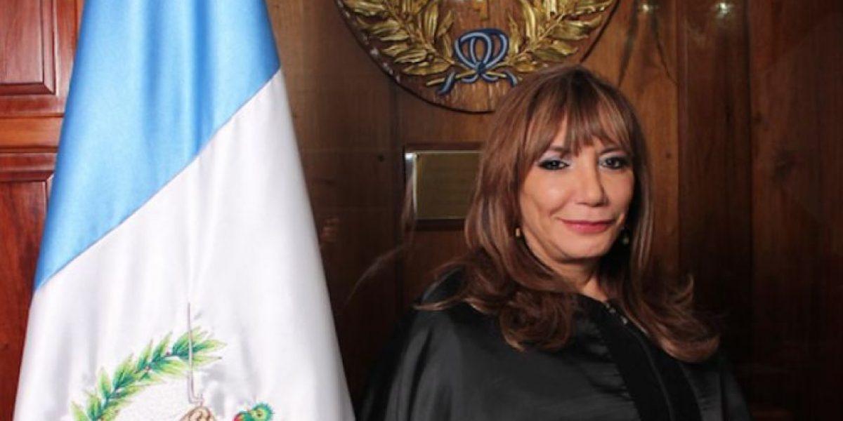 El día en que la nueva presidenta de la CSJ mostró en Twitter su afinidad por Jimmy Morales