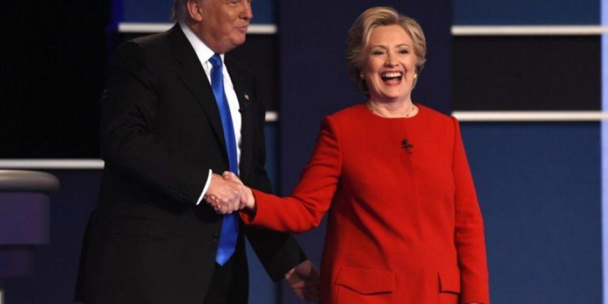 Teoría de conspiración afirma que Clinton hizo trampa en el debate contra Trump