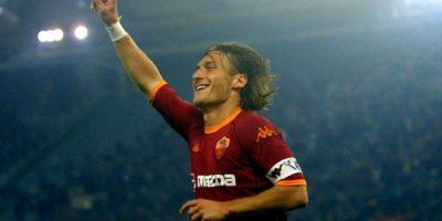 Francesco Totti es el máximo goleador del club capitalino y también el que más partidos ha jugado, con un total, a la fecha, de 763 encuentros. Foto:Getty Images