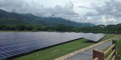 Inauguran el parque solar más grande de Guatemala