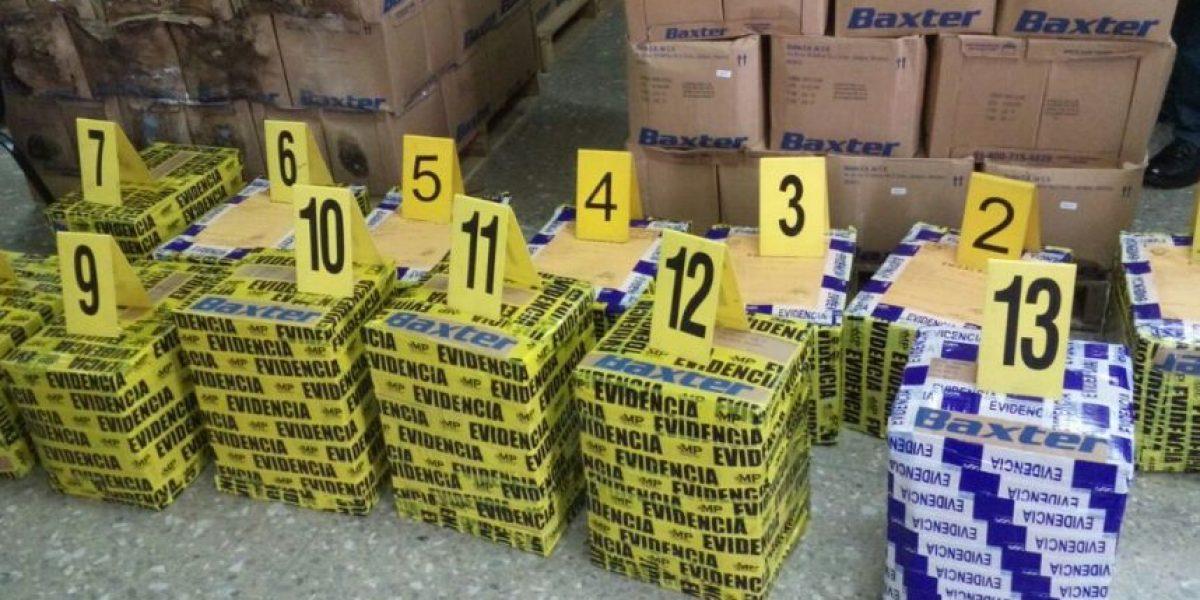 MP secuestra cajas de soluciones salinas y se evidencia su mal estado