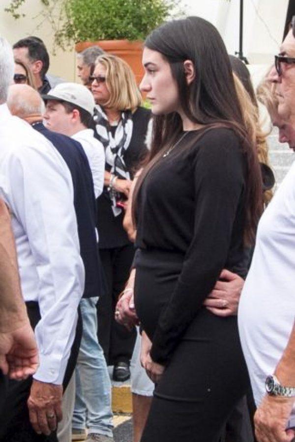 Getty Images Foto:Vestida de negro y visiblemente afectada dejó ver su embarazo