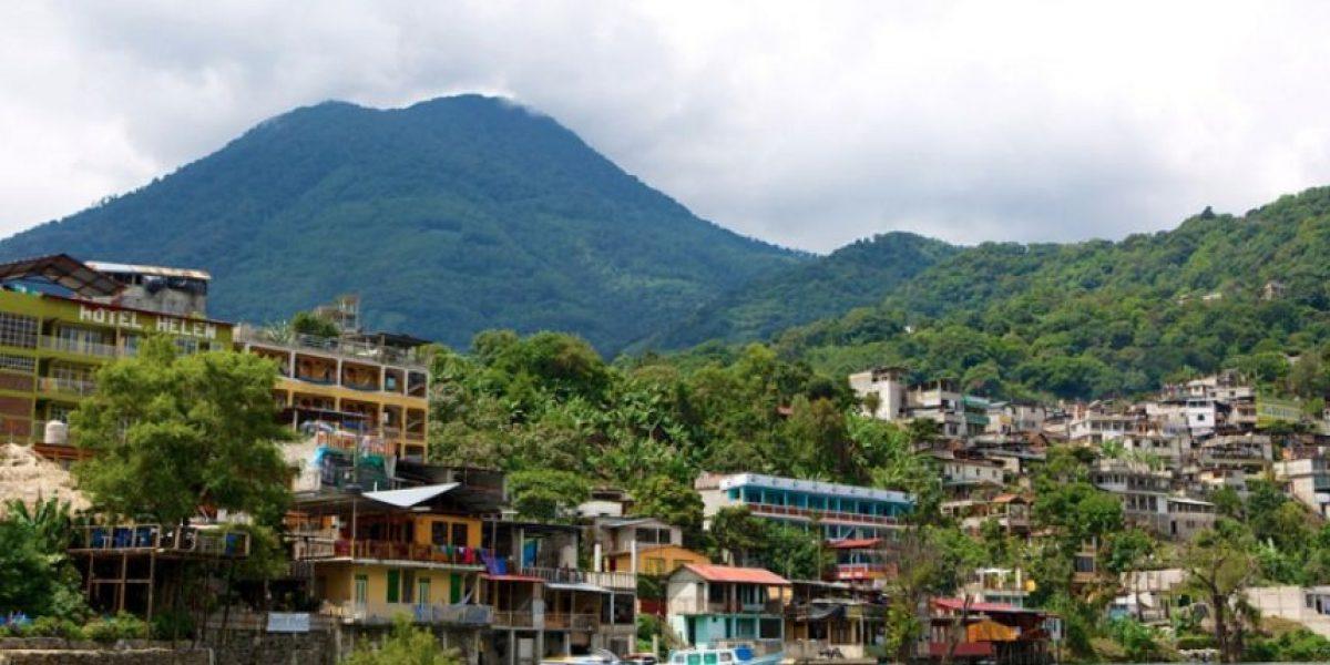 San Pedro La Laguna prohíbe tres productos para proteger a sus habitantes y al lago de Atitlán