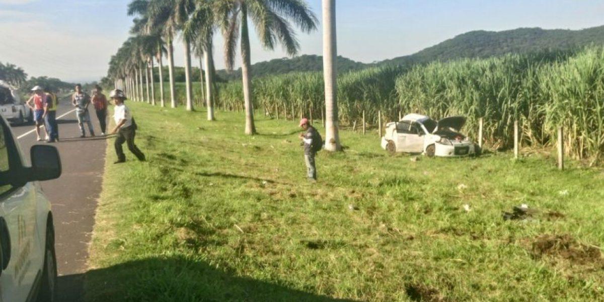 FOTOS: Aparatoso accidente en autopista Palín-Escuintla deja varios heridos