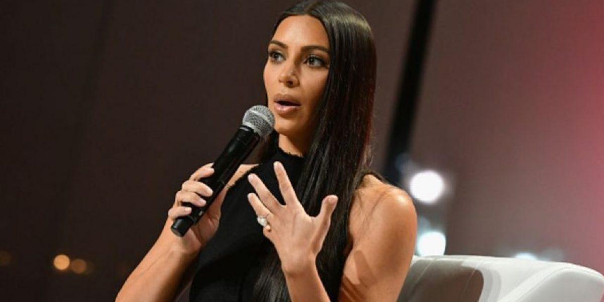 Kim Kardashian desata la polémica al llegar sin maquillaje a un evento en París