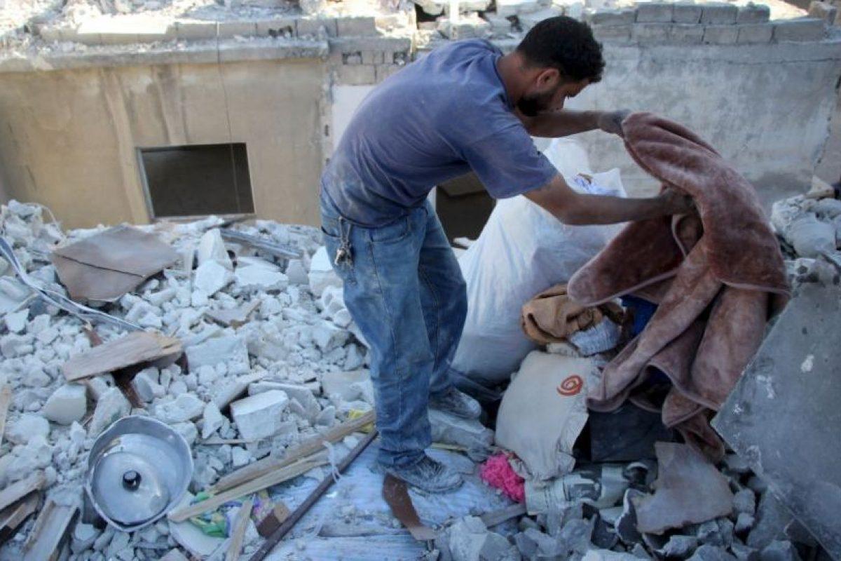 En los bombardeos perdió a su esposa y a su hija mayor. Foto:AFP