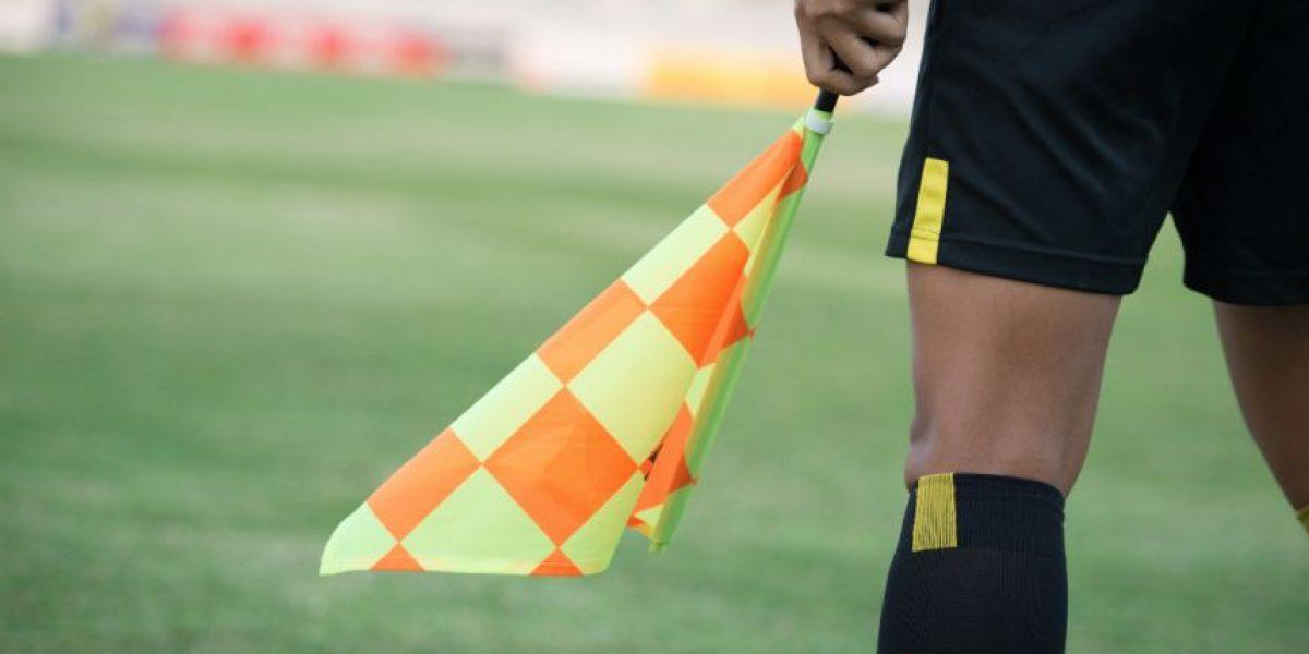 VIDEO. Brutal agresión a árbitro conmociona al mundo del futbol