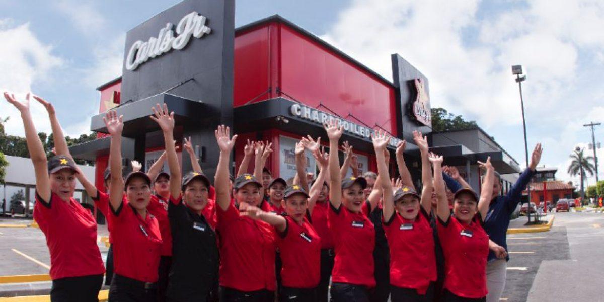 ¡Las famosas hamburguesas de Carl's Jr. llegan a Majadas!