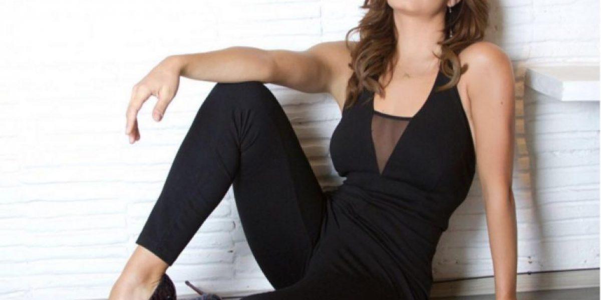 Tania Rincón asusta a sus compañeros al caerse durante la transmisión y estando embarazada