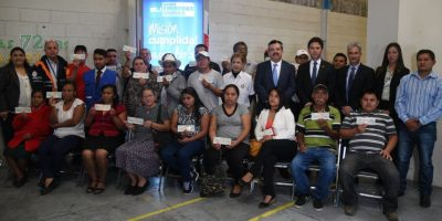 El Grupo Emisoras Unidas, y las entidades que se unieron a la causa, entregaron el aporte final a los vecinos de El Cambray II. Foto:Fernando Ruiz