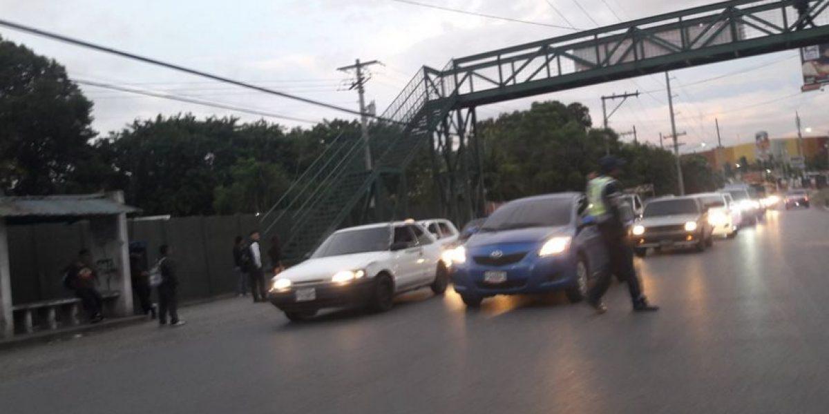 Paro de buses de Cotrauvin afecta a vecinos de Villa Nueva