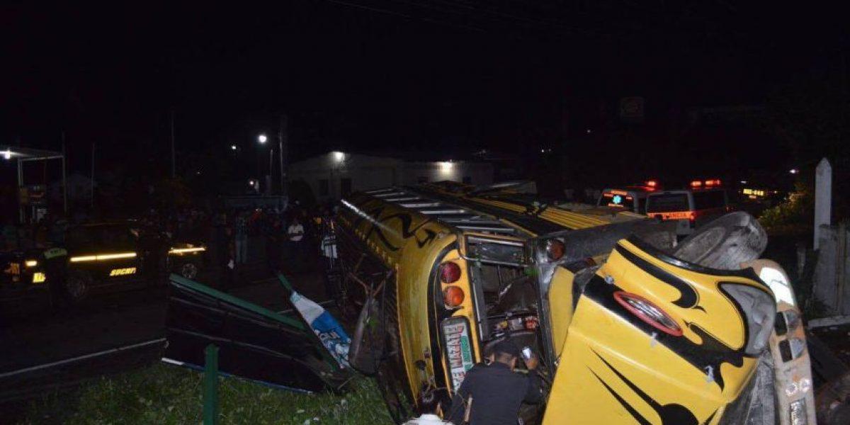 Accidente de bus en San Antonio, Suchitepéquez, deja varios fallecidos y heridos