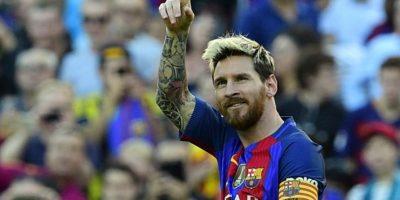 Barcelona golea al Deportivo en el regreso de Messi