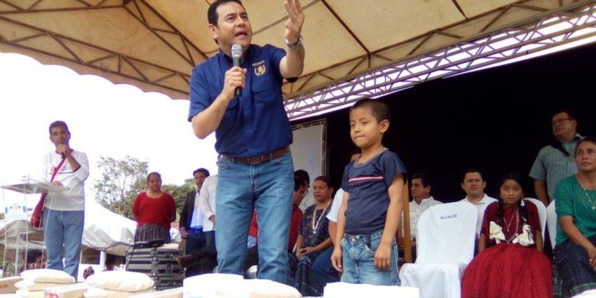 Presidente Morales visita Campur en San Pedro Carchá para entrega de alimentos