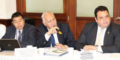 Ministro de Comunicaciones, Aldo García, en la comisión de Finanzas Foto:Congreso