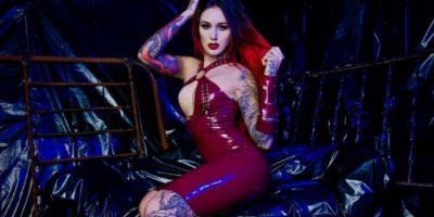 ¡Alerta hot! Modelo Cervena Fox que viene al ExpoTattoo y sus fotos más candentes