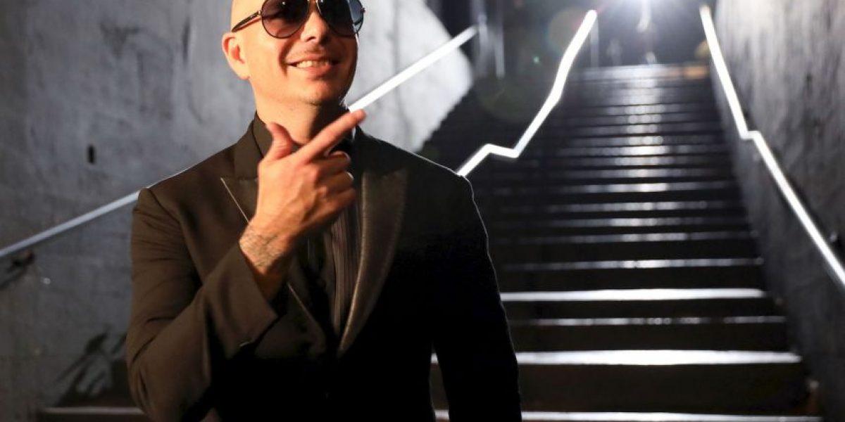 Pitbull envuelto en la polémica por comentarios inapropiados a una mujer