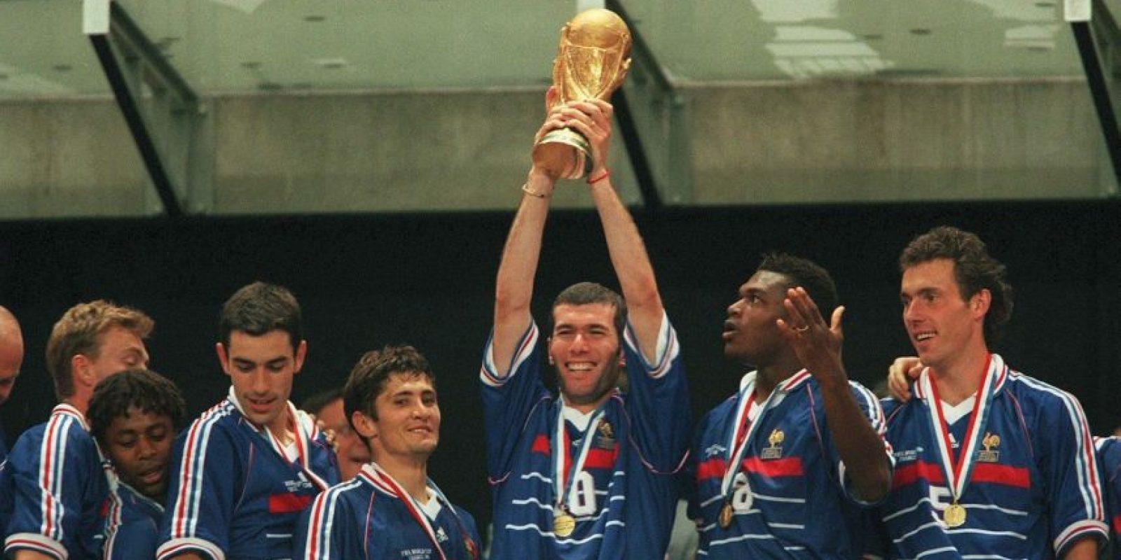 Getty Images Foto:More Than a Game: The Story of the World Cup (director: BBC Worldwide 2006): Con grandes imágenes de archivo, este documental relata la historia de Francia en los Mundiales desde 1930 hasta Francia 1998, cuando lograron quedarse con el título