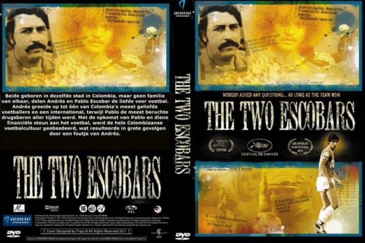 Foto:The Two Escobars(director: Jeff Zimbalist, Michael Zimbalist-2010): Pertenece a las series 30 for 30 de ESPN. El documental relata la historia de dos Escobar que marcaron la historia de Colombia: Andrés y Pablo. El primero terminó asesinado por convertir un gol en el Mundial de Estados Unidos de 1994 y el segundo es uno de los narcotraficantes de cocaína más famoso del mundo. A través de los dos Escobar, muestra la influencia que tuvo el narcotráfico en el fútbol colombiano.