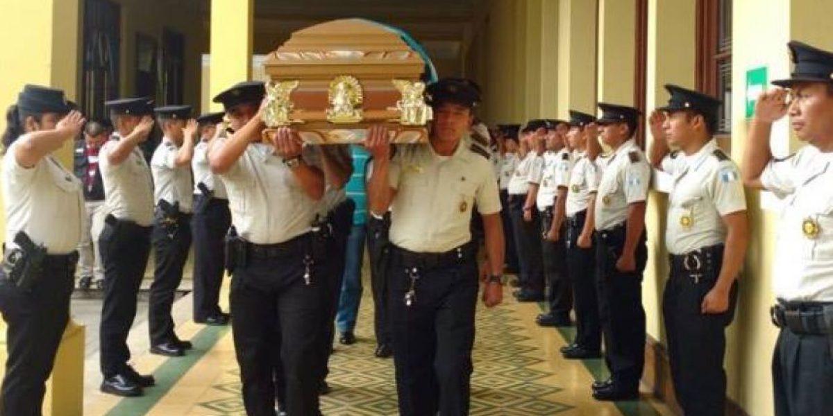 Agente de la PNC que perdió su vida cumpliendo su deber recibe honras fúnebres