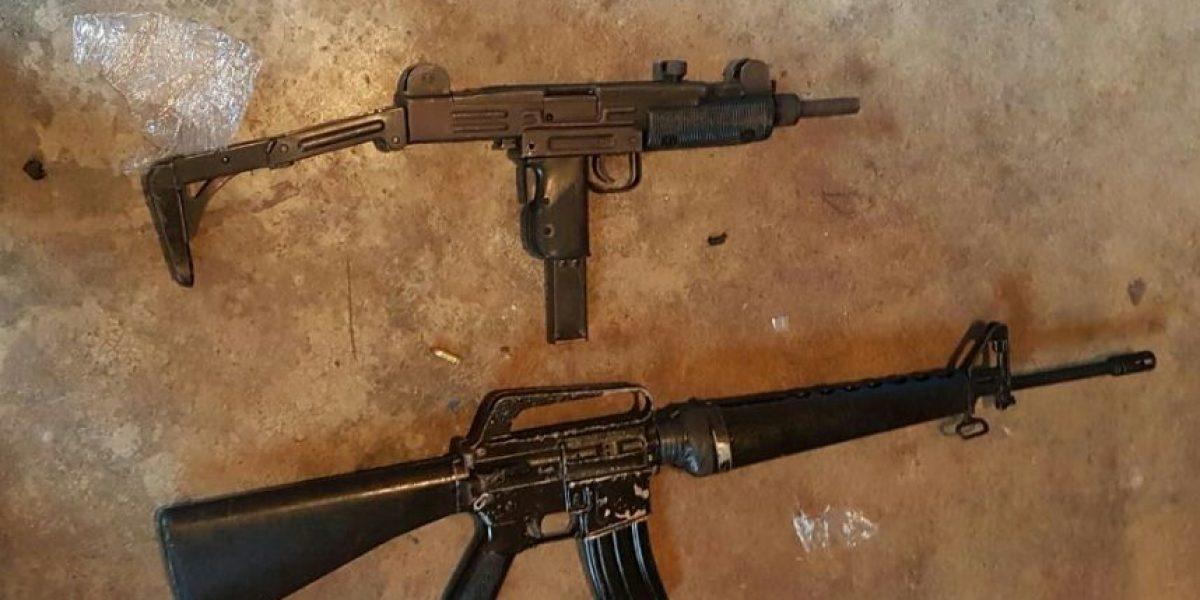 """Pandilleros de la """"Mara Salvatrucha"""" guardaban armas y drogas en casa abandonada de la colonia Canalitos"""