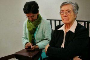 Enma Molina Theissen y su mamá. Foto:Cortesía Prensa Comunitaria