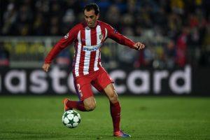 Diego Godín fue nombrado el mejor defensa de La Liga. Foto:AFP