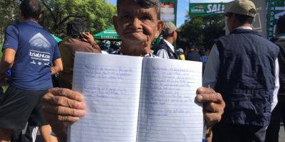 El tesoro de la Vuelta a Guatemala que Juan Genaro guarda en su cuaderno