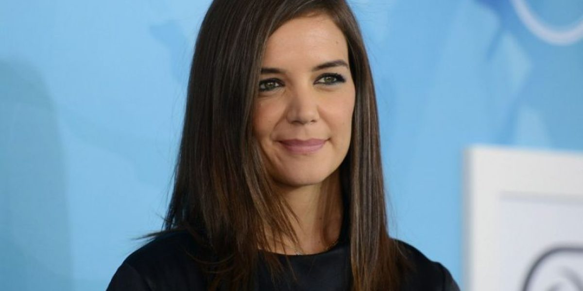 Katie Holmes luce muy distinta sin una gota de maquillaje