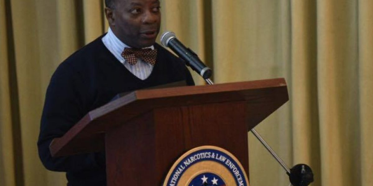 Embajador de EE. UU. niega injerencia en elección del presidente del Congreso