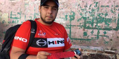 Las manos de Rodrigo García alejan el cansancio y dolor de los ciclistas